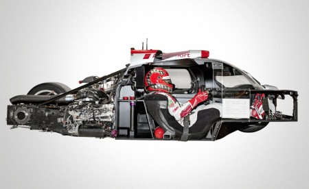 2012-audi-r18-e-tron-quattro-lmp1-race-car_100413289_l