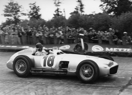 1954-Mercedes-Benz-W196R-Formula-1-Racing-Single-Seater-Fangio