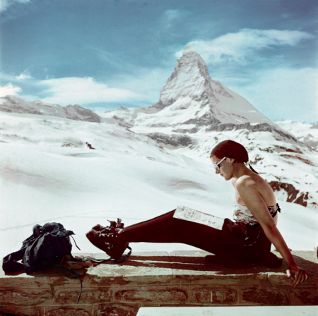 robert-capa-ski-photographs-exhibition.sw.6.robert-capa-show-icp-ss02